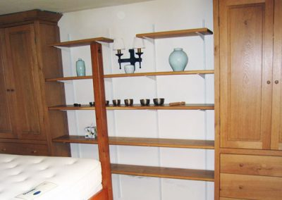 bedroom-shelving