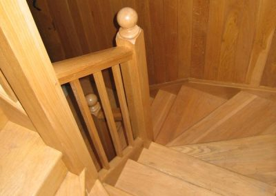 spiral-stairs-wood