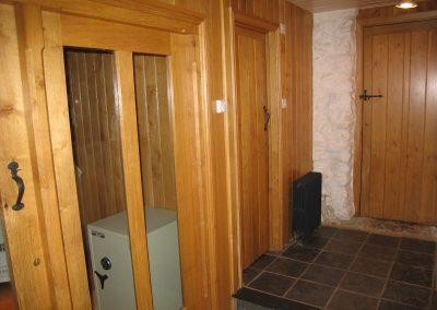 wood-wall-door-hall