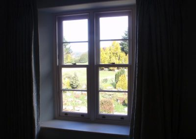 narrow-double-sash-windows